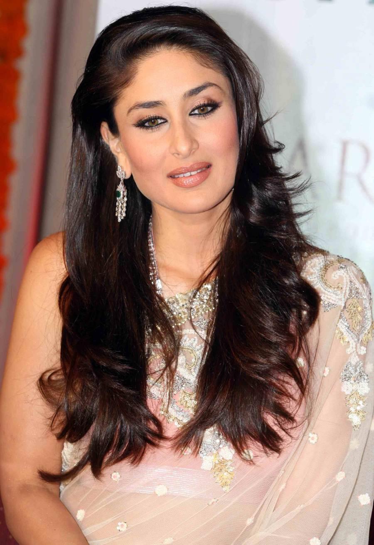 Karishma Kapoor Sexy Fill