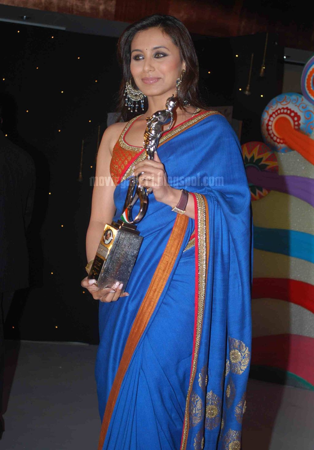 Rani Mukherjee At V Shantaram Awards 2009 Pics, Stills -9548